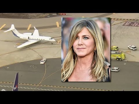 Jennifer Aniston's aircraft makes emergency landing