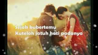 Download lagu Cinta Vina Panduwinata Mp3