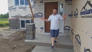 """Канал полезных советов Стройхак https://goo.gl/LBrd65Друзья!Установлены двери, набиты наличники и плинтуса. Вторым слоем прокрашены стены. Залит пол в гараже, а так же появился камень на фасаде.Всем хорошей погоды!Наша почта - amnusachannel@gmail.com - По вопросам размещения рекламы отправляйте письмо с пометкой """"реклама""""===============================================Мы в ВК - https://vk.com/amnusaМы в Фейсбук - https://www.facebook.com/amnusa.channel.5==================================================Поблагодарить канал можно тут - https://www.paypal.me/amnusaPayPal кошелек - amnusachannel@gmail.com"""
