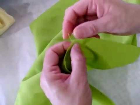 خياطة  طريقة عمل مخدة وسادة مزركشة للعروسة ١من٣