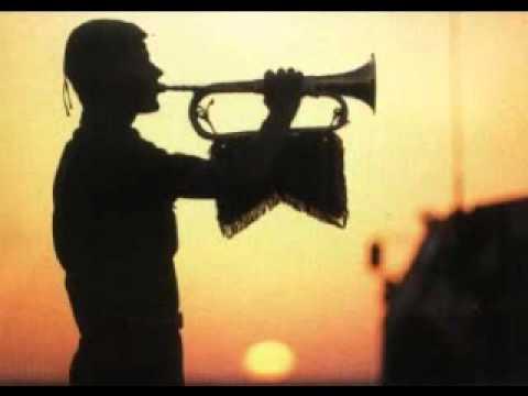 musique - Sonnerie aux morts accompagnée de photos évoquants le souvenir. Pour tout renseignements: http://www.youtube.com/user/UnCitoyenquiveille.