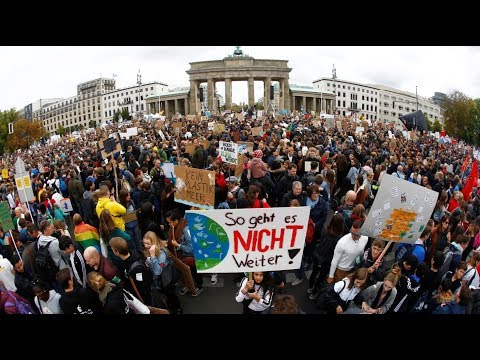 Fridays for Future in Berlin - rund um das Bra ...