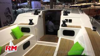 Présentation vidéo du RM1270 quille relevable au Nautic 2015. Video presentation of the RM1270 lifting keel at the Nautic 2015.