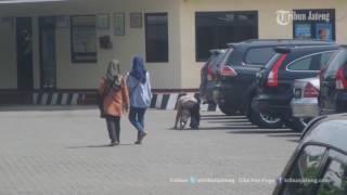 Video VIDEO Polisi Mbeling Dibuat Malu dengan Hukuman Fisik Begini MP3, 3GP, MP4, WEBM, AVI, FLV November 2017