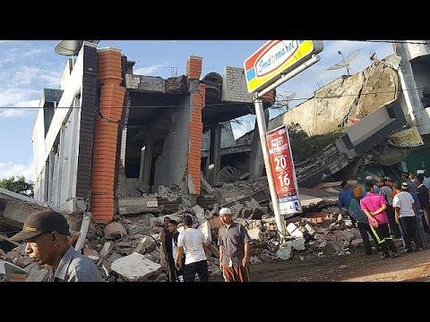 Εκατόμβη νεκρών από το σεισμό 6,5R στη Σουμάτρα