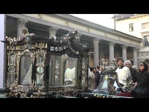 Piazza Duomo, lo svelamento della grande immagine