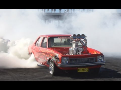This was the 2nd place burnout at Bathurst Autofest 2013