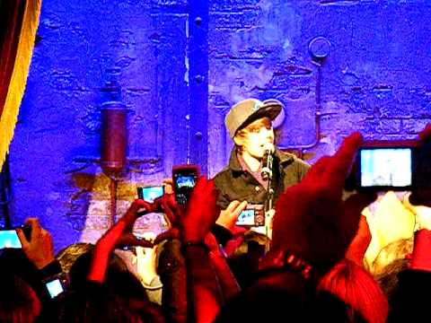 Justin Bieber in Paris, in private concert to Jamel comedy club part 5
