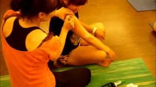 妍姿經絡瑜珈滑罐瘦手臂方法