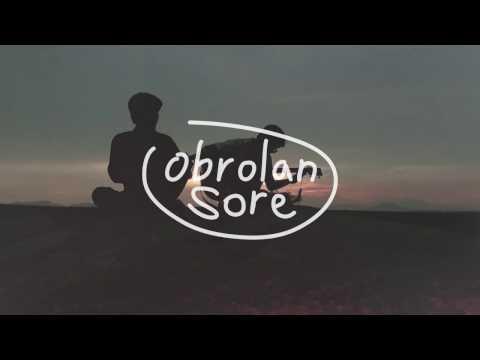 Download Lagu Akustikan: Batas Senja - Kan Menua Music Video