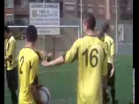 Watch videoUs agrada el futbol?