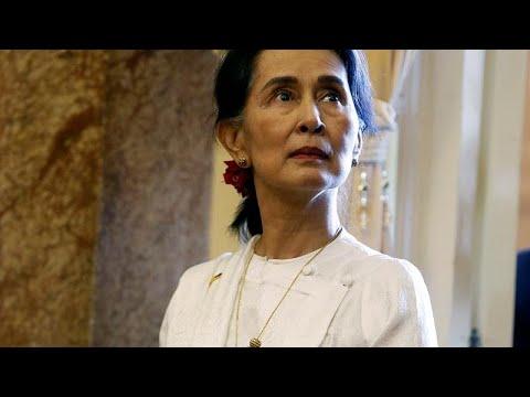 Υπερασπίζεται την καταδίκη δημοσιογράφων η Αούνγκ Σαν Σου Κι…