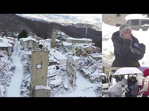 Ιταλία: Αντιμέτωποι με το χιόνι οι σεισμοπαθείς