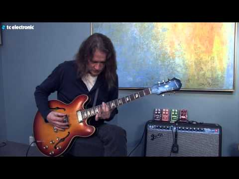 "Robben Ford demos his ""Clouds"" TonePrint for the Hall of Fame Reverb pedal"
