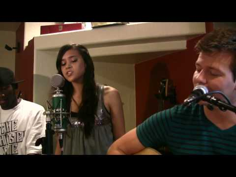 love the way you lie cover - Download this on iTunes here: http://itunes.apple.com/us/album/tyler-ward-covers-vol-3/id406190149 Become my friend on Instagram & Twitter: @TylerWardMusic M...