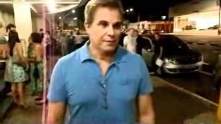 Esse video foi gravado no dia 09-03-2012 Edson Celulari e Pedro Garcia Neto, Saindo do teatro o engraçado foi ele vindo e...