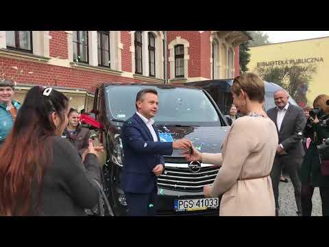 Wideo1: Przekazanie nowych aut dla ŚDS i DPS w Gostyniu