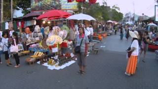 What To Visit In Chiang Mai Thailand - Its Sunday Market Street At 6 pm.