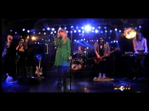 The Asteroids Galaxy Tour - Around The Bend - Live on Fearless Music
