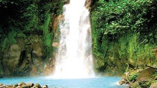 Anne Bécel, spécialiste en tourisme responsable et collaboratrice à la rédaction du guide Ulysse Costa Rica (http://bit.ly/1jMtnnG),...