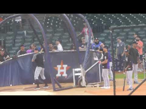DJ LeMahieu (Yankees 2nd baseman)...batting practice...Rockies vs. Astros...8/14/18