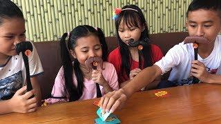 Video Unboxing Mainan Anak Moustache Smash Seru dan Lucu - Bermain Tebak Kumis MP3, 3GP, MP4, WEBM, AVI, FLV Mei 2019