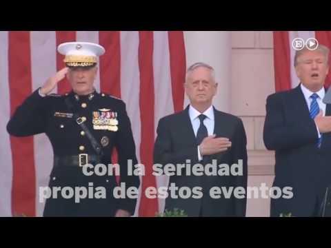 Trump tararea el himno de EE UU y se contonea al son de la música en un acto oficial