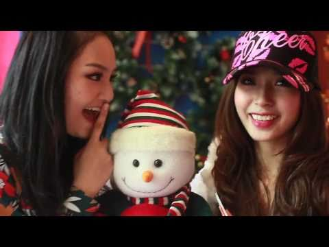 Khổng Tú Quỳnh và Miu Lê chúc Giáng Sinh