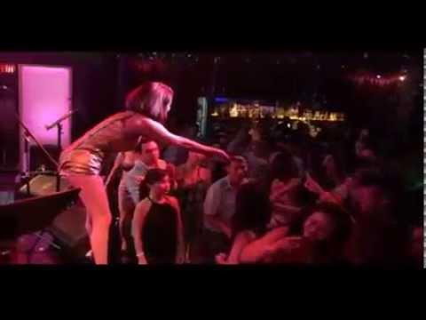 Ngàn Năm Vẫn Đợi Remix Như Ý hát tại Bar Club cực sung