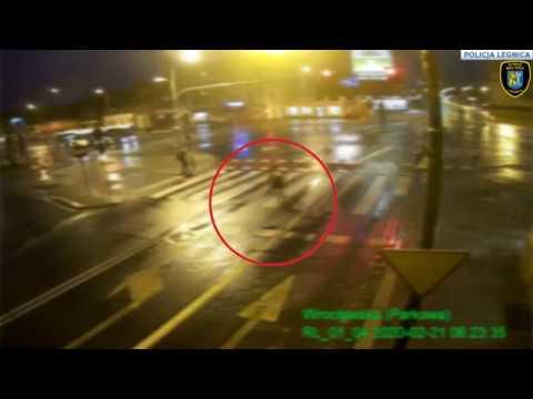 Wideo: Potrącił na pasach pieszą i uciekł