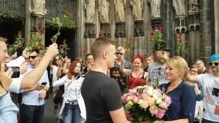 Romantischer Heiratsantrag mit Geige