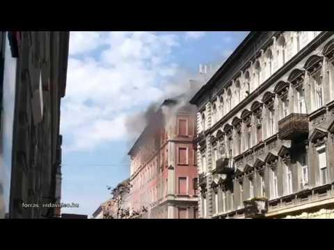 Nyolc lakás égett ki a Péterfy Sándor utcai tűzben.