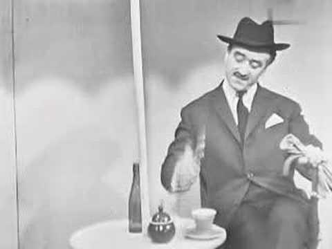 Tekst piosenki Kabaret starszych panów - Odrobina mężczyzny po polsku
