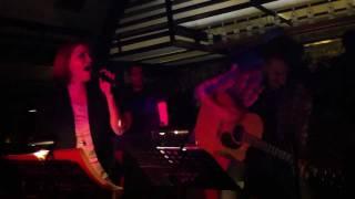 19/1/12 Σοφία Στρατή Unplugged Live @Bungalow White-Knocking on heaven's door