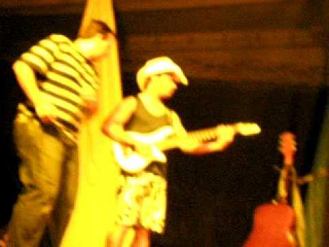 Rodrigo e Marinho - Fest-praia Paranaita 2008.avi