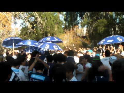 los caudillos del parque alentando a muerte a su equipo desde a fuera - Los Caudillos del Parque - Independiente Rivadavia