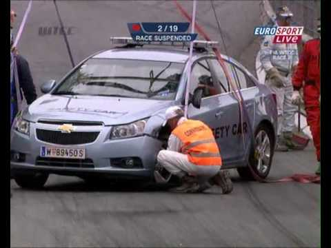 Video: Oopsss...Safety Car Crash