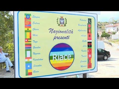 Απομακρύνει τους μετανάστες από το Ριάτσε ο Σαλβίνι