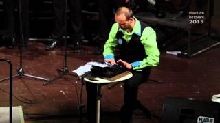 Video Psací stroj -- Leroy Anderson, arr. Stázka Šolcová - Canticorum