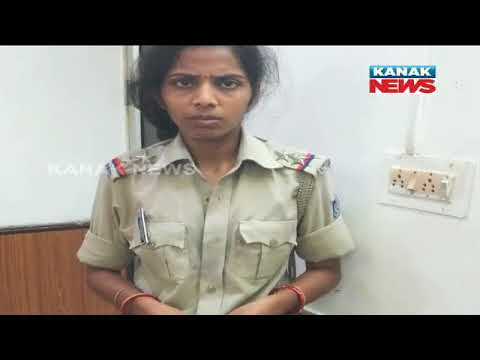 Video Police Allegedly Thrashed Two Sisters In Bhubaneswar download in MP3, 3GP, MP4, WEBM, AVI, FLV January 2017