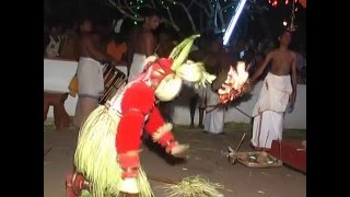 Nileshwar India  city photos : Pottan Theyyam perfomance in a temple Nileshwar Kerala India Full Video