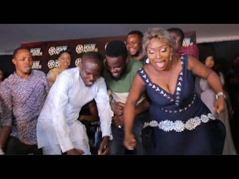 Ijebu,Dance Shaku Shaku With His Fellow Colleague As He Collect Award For D Best Comic Actor Yoruba