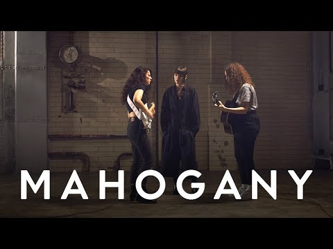 MUNA - I Know A Place | Mahogany Session
