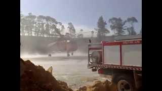 Bathurst Australia  city photos : Erickson Sky-crane firefighting in Bathurst, Australia