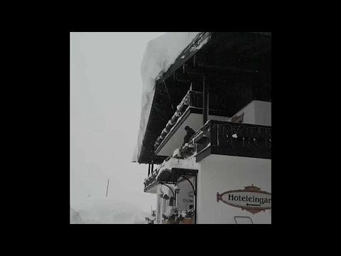Εντωπιακές «χιονισμένες» εικόνες στις Άλπεις