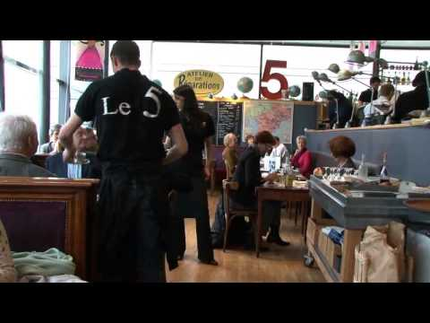 Video Carmen chante au restaurant Le