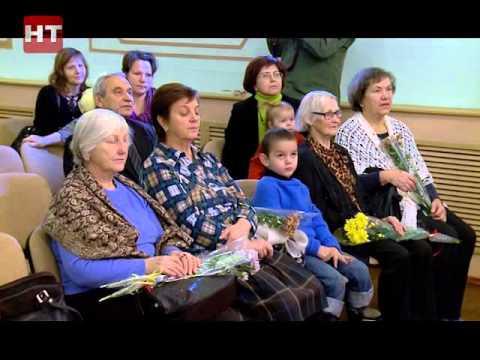 Во дворце детского творчества им. Лени Голикова уже начали отмечать предстоящий День матери