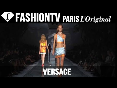 Fashion TV - http://www.FashionTV.com/videos MILAN - See the Versace collection for Spring/Summer 2015 on the runway during Milan Fashion Week. The new essentials of Versace SS15 collection: stripped back...