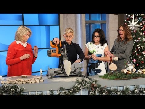 stewart - She had a house full of women to help her demonstrate; Ellen, Julia Roberts and Julia Louis-Dreyfus! See how the crafting went, right here.
