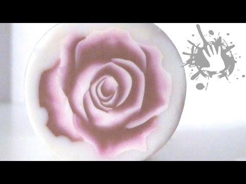 Creazione di una rosa tridimensionale in una cane in Fimo